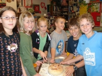 bread_and_jam_making_to_share_with_seniors